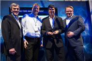 TIM- und EMC-Manager auf der »EMC World Global Partner Summit« (Bild: TIM)
